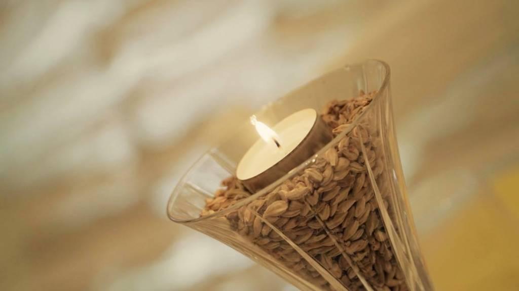 foto da vicino di una candela