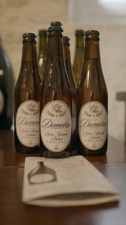 foto di quattro birre demetra da 33 sopra un tavolo